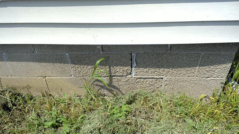 crack in block foundation